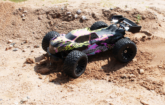 Drive and Fly Destructor Elektro Brushless Truggy 4WD 1:8 RTR