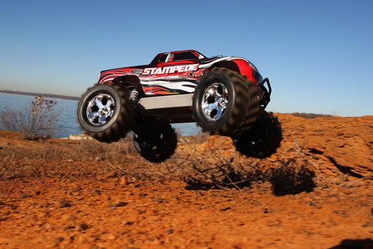 TRAXXAS Stampede 4x4 rot RTR +12V-Lader+Akku 1/10 4WD Monster Truck Brushed