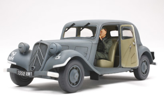 WWII Fr.Citroen Traction Dienst.(1) 1:35